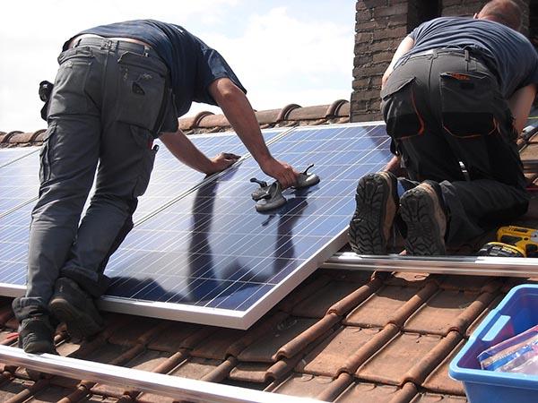 panneau solaire et pompe à chaleur